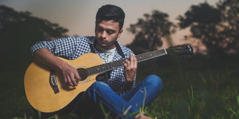 Finn dig själv genom gitarrmusiken